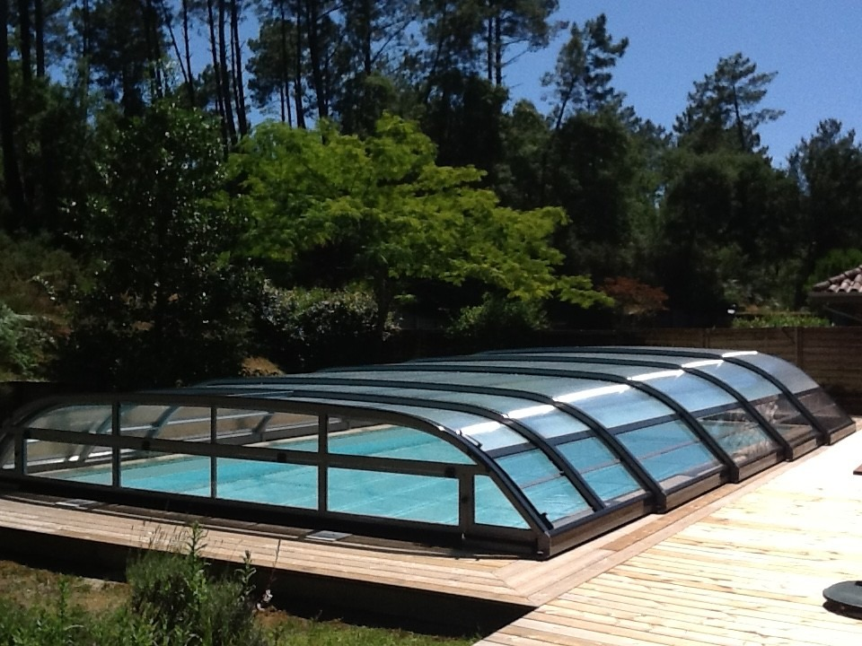 Elitys mianso abri de piscine bas t lescopique ec 39 creation for Abri de piscine le mans
